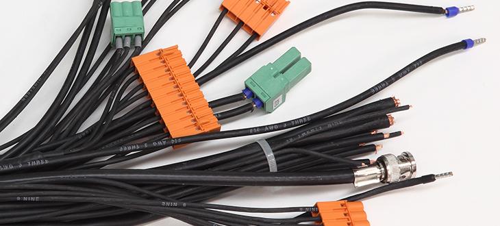 Zväzkovanie a pripojovanie a montáž konektorov